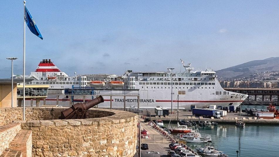 barco linea malaga tanger