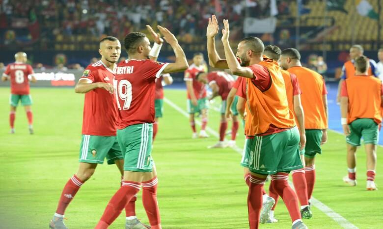 jugadores marroquíes celebran triunfo