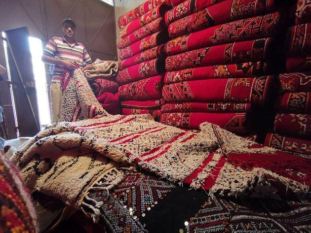 Puesto de alfombras en Jenifra
