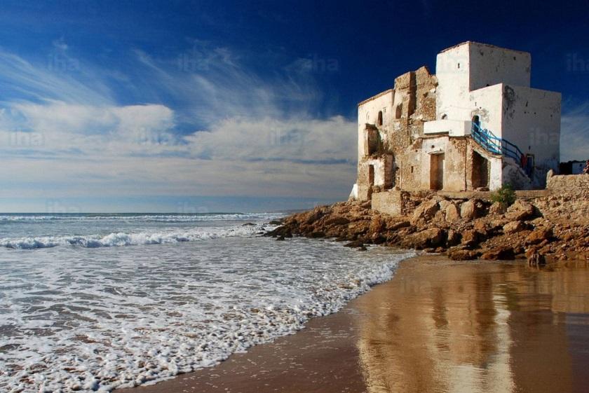 morabito de Sidi Kaouki junto al océano