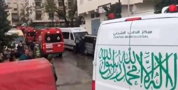 ambulancias y personal de urgencia en el lugar de la tragedia