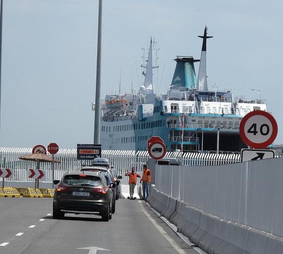 embarque buque a Tánger en el puerto de Algeciras