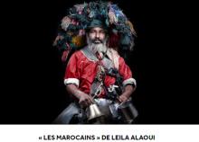 cartel exposición Los marroquíes, en francés