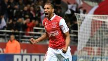 yunis abdelhamid celebra un gol
