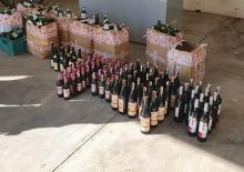 botellas y cajas con vinos adulterados en Marruecos