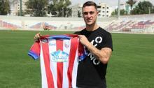 Guillem Rodríguez luce la camiseta del MAT en el estadio Sania Ramel